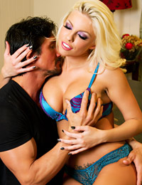Britney amber keeping the advantage